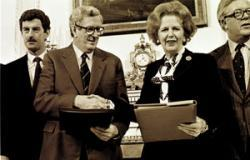 Anglo Irish Agreement signed